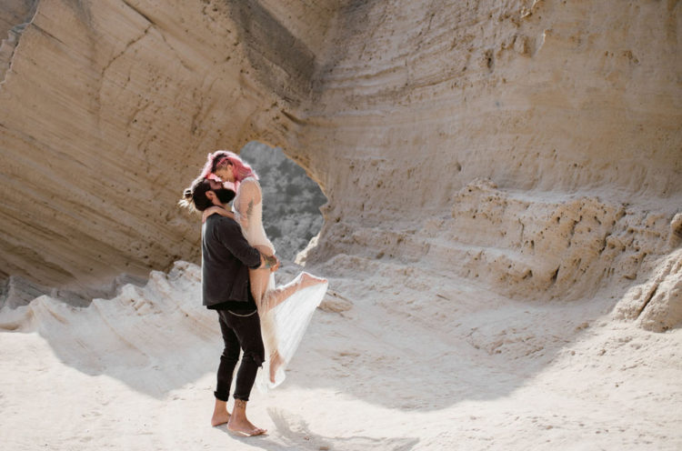 The couple made a walk in the labyrinth of caves, rocks and sea pools