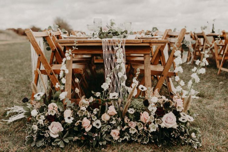 The florals were refreshing and cool, with white and blush blooms and greenery
