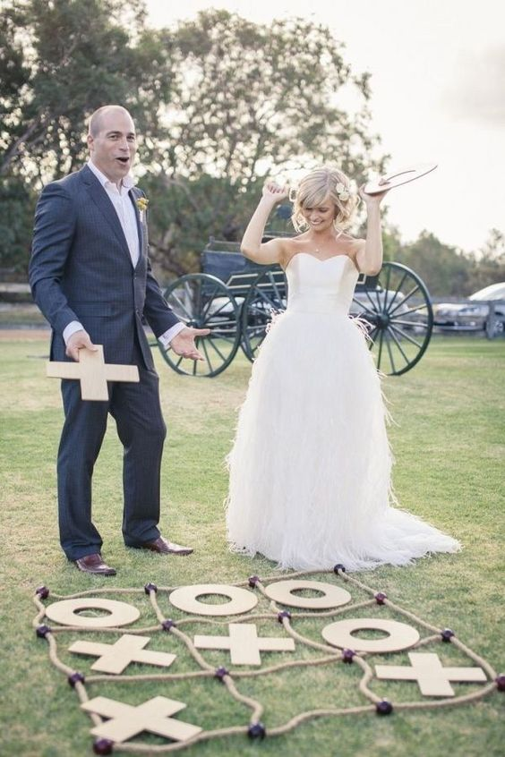 a garden tic tac toe is always a good idea for any wedding