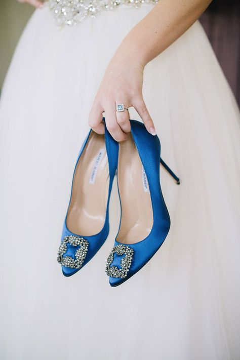 those blue Manolo Blahnik shoes with large buckles that Carry Bradshaw wore