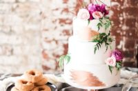 23 display your cake at its best and place it higher than the other sweets you serve
