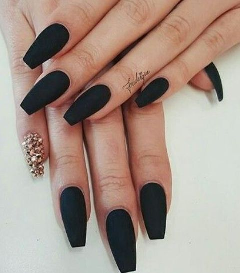 black matte nails with a single jeweled nail to make a bold statement for a Halloween wedding