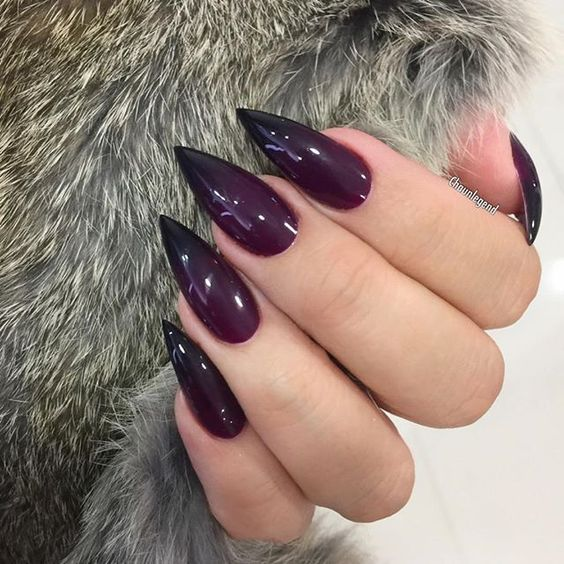 ombre sharp plum to black nails are a great idea to rock for the fall
