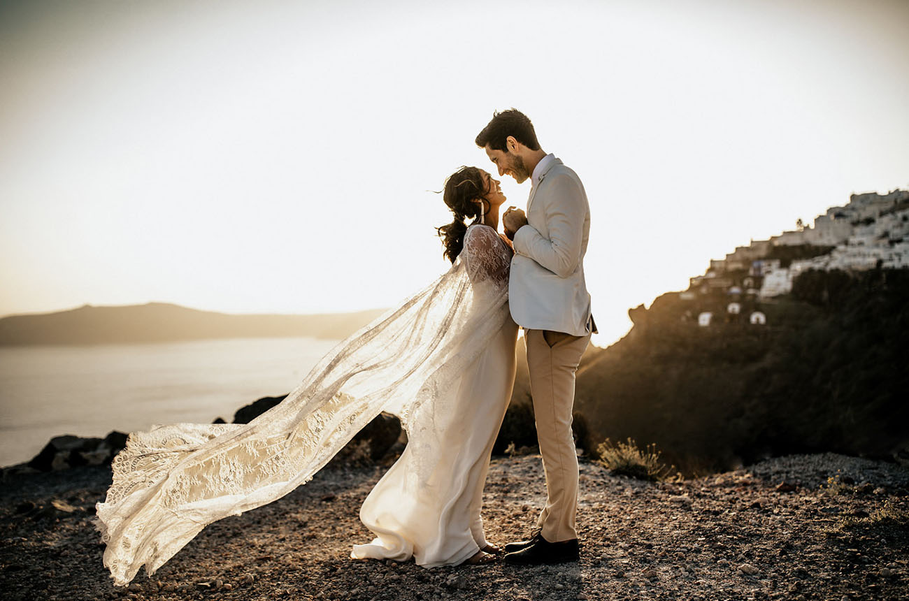 This edgy meets boho elopement took place in Santorini