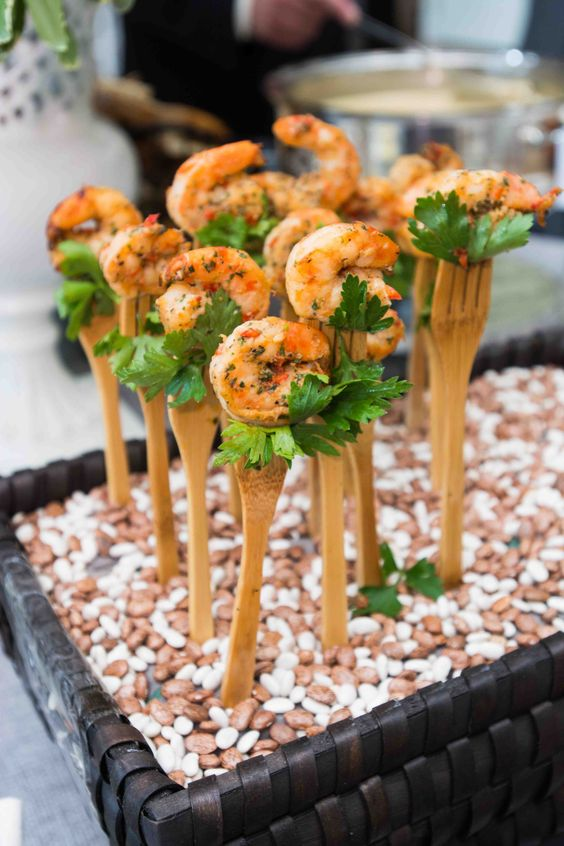 spiced grilled shrimps with parsley is a warming and comforting idea