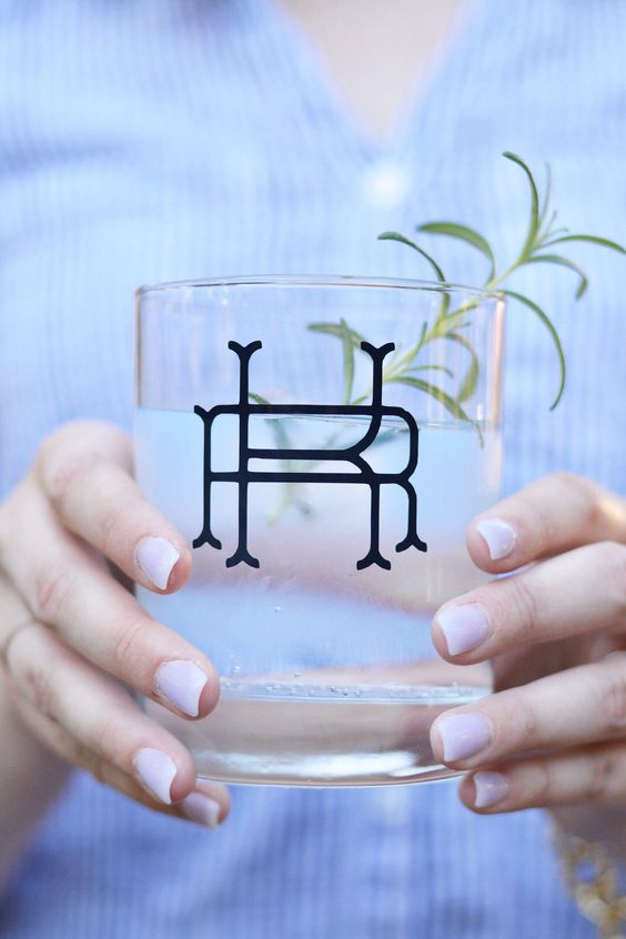 personalized monogrammed glasses will make your bar station more special