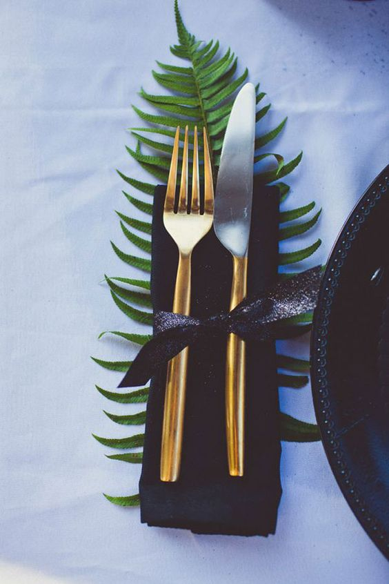use fern to accent your tablescape like here - place some under the napkins
