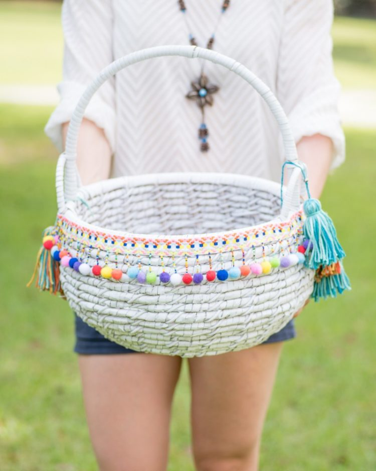 DIY boho basket with pompoms and tassels (via www.natashalh.com)
