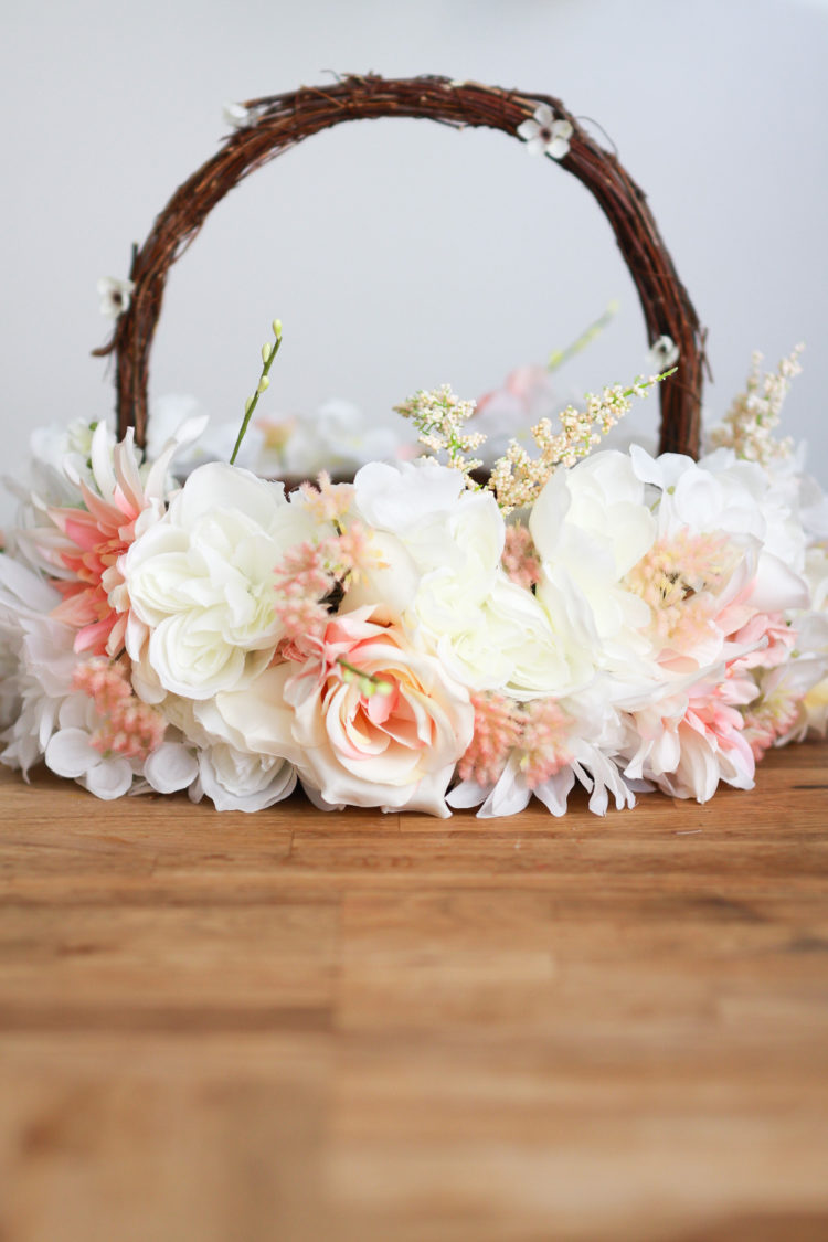DIY faux flower basket for flower girls (via jestcafe.com)