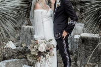 01 This gorgeous boho chic wedding tied two co-owners of Daughters of Simone, a wedding dress brand