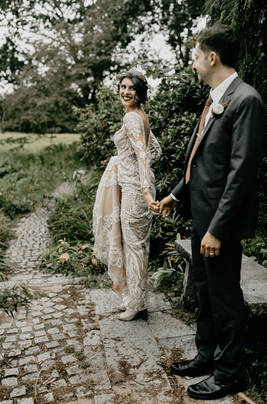This small elopement is inspired by Midsummer Night's Dream and was planned in less than a month