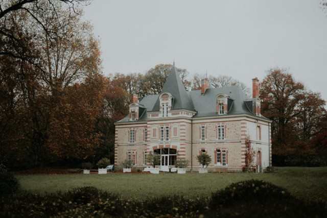 Here's the chateau where the wedding shoot took place