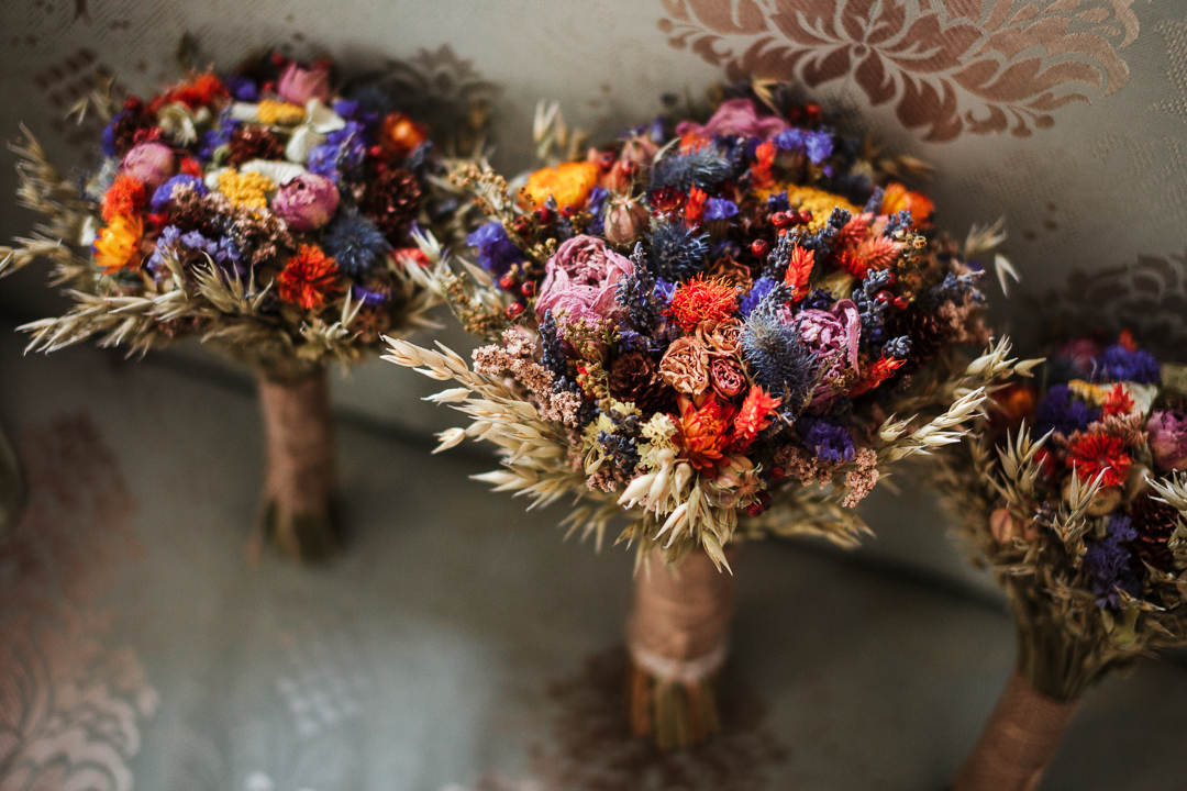 All the bouquets contained dried flowers and wheat to embrace the season even more