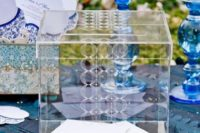 15 an acrylic box with guest cards is all you need to pull off a modern wedding look and decor