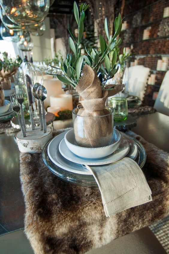 a faux fur throw as a placemat is a gorgeous idea to bring outdoors indoors and to make the tablescape cozier