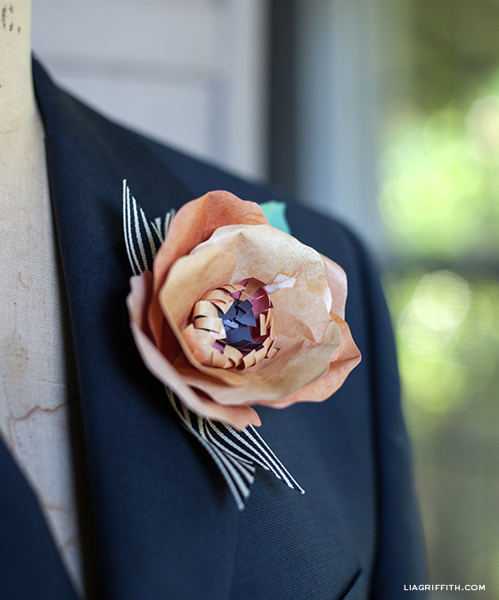 DIY paper flower boutonniere for a groom (via liagriffith.com)