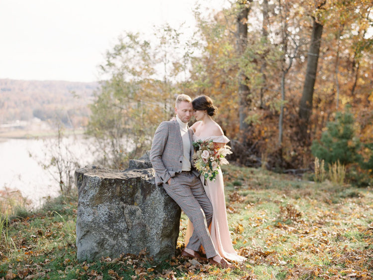 This beautiful fall elopement shoot is full of gorgeous ideas for fall couples