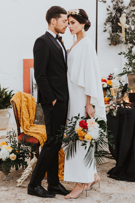 This gorgeous wedding shoot is inspired by Flemish painters and baroque style mixed in one