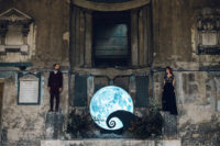 01 This gorgeous wedding shoot is inspired by Tim Burton, these are Jack Skellington and Sally