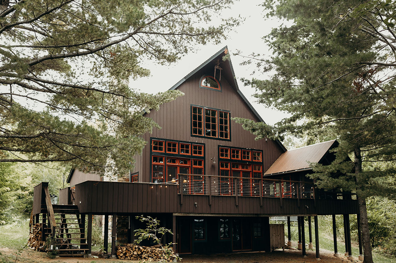 This cabin was rented on the island to enjoy the reception