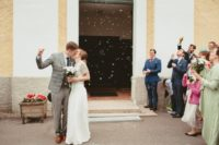 06 Colorful bubles are a great alternative to usual confetti