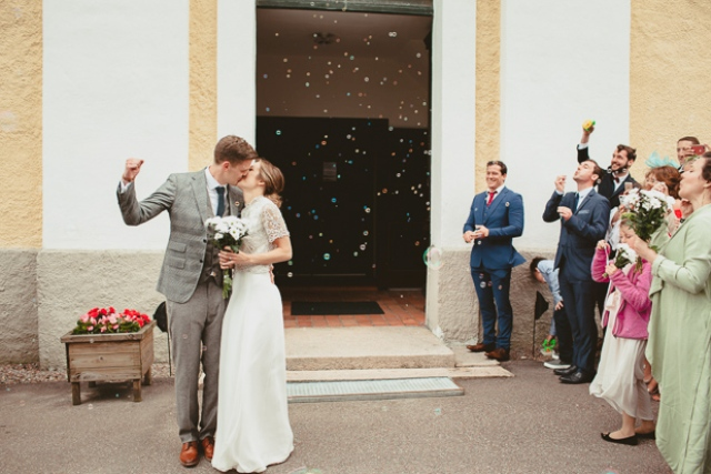Colorful bubles are a great alternative to usual confetti