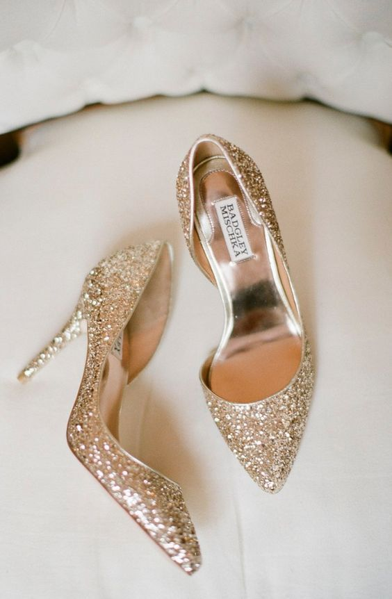 gold glitter heels are timeless classics for every bride, it's a glam and sparkly idea that will make you shine