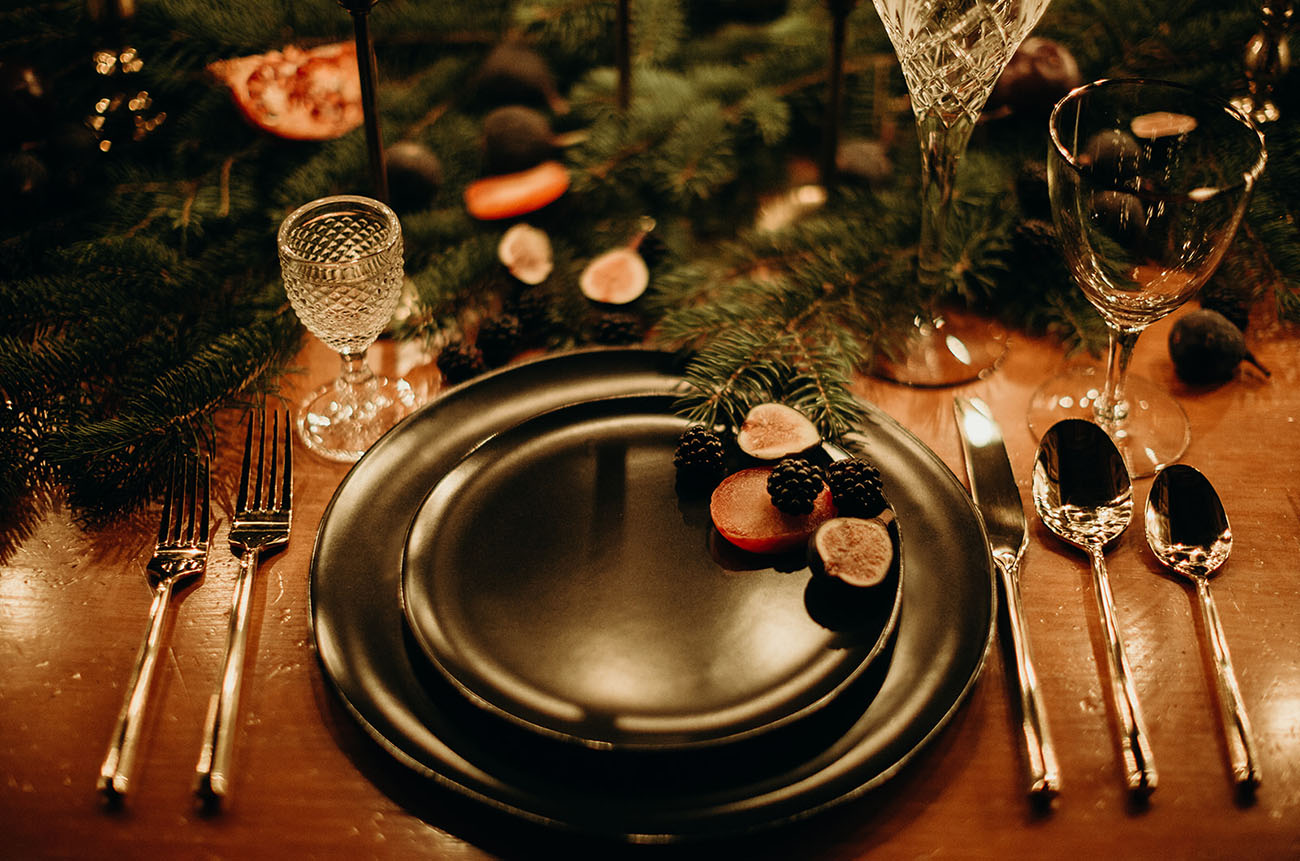 The tablescape was veyr cozy and felt early winter like