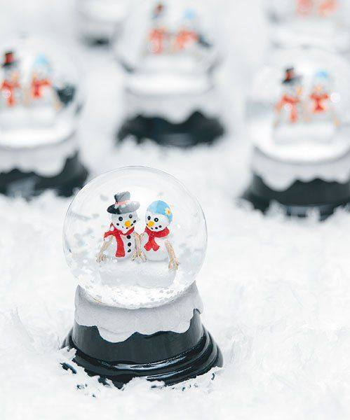 traditional snowglobes with snowmen is a great and fun idea that will remind everyone of childhood