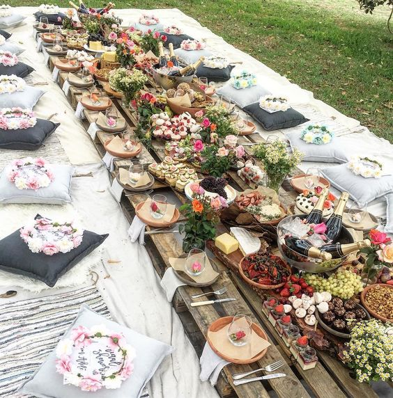 a wedding picnic is a great alternative to a usual brunch wedding
