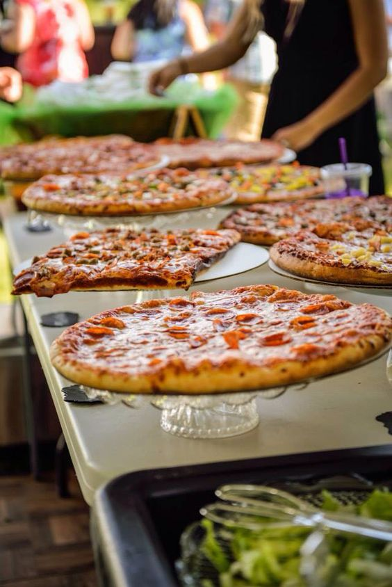 pizza food bar is a cozy solution to any wedding kind