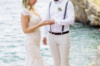 01 This couple wanted to tie the knot on a secret spot with amazing sea views and fresh breezes