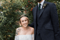 04 The groom was wearing a three-piece grey suit and an emerald tie