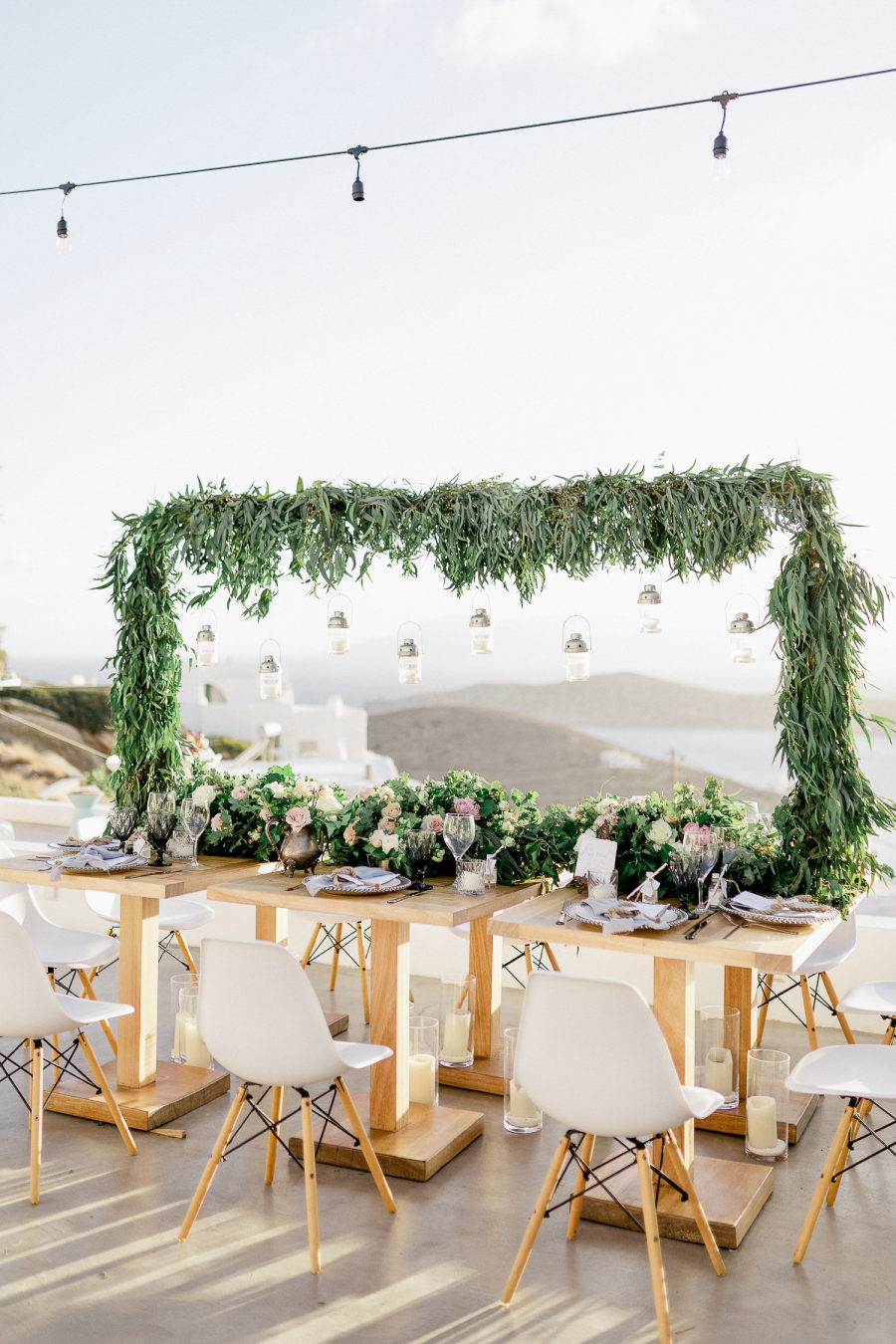 gorgeous wedding backdrop with hanging decorations
