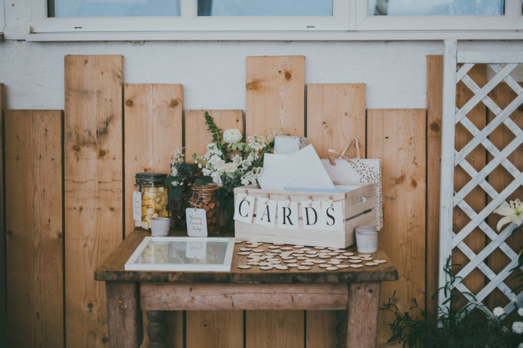 The wedding decor was super simple, the couple added only a doily bunting from the bride's aunt