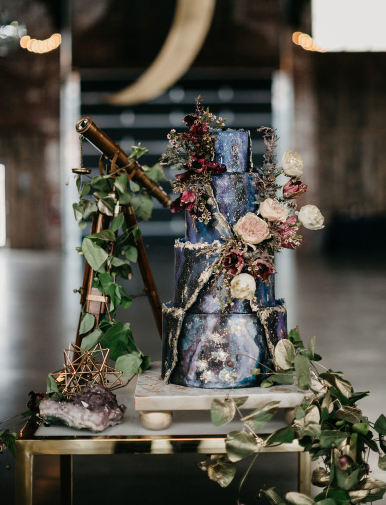 The wedding cake was a real masterpiece inspired by galaxies, with dried herbs and blooms