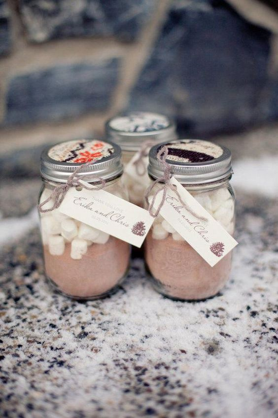 hot cocoa jars never go out of style, they are ideal for fall and winter weddigns to warm your guests up