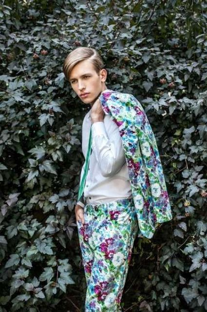 a bright watercolor floral print, a white shirt and an emerald tie for a romantic spring or summer look