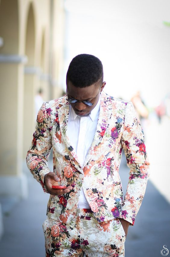 a super colorful floral groom's suit and a white shirt will make your summer groom's look wow