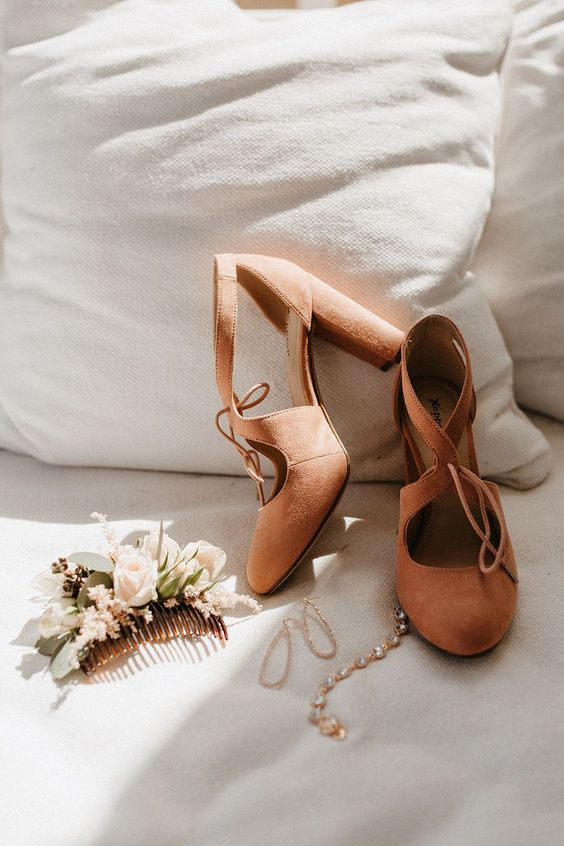 rust-colored cutout suede wedding shoes with comfortable block heels are great to add a vintage touch