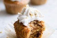 04 vegan carrot cupcakes with coconut whipped cream, orange, ginger and raisins are fantastic