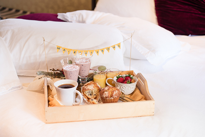 Breakfast in bed was also served, cupcakes, smoothies, coffee, juice and fresh strawberries