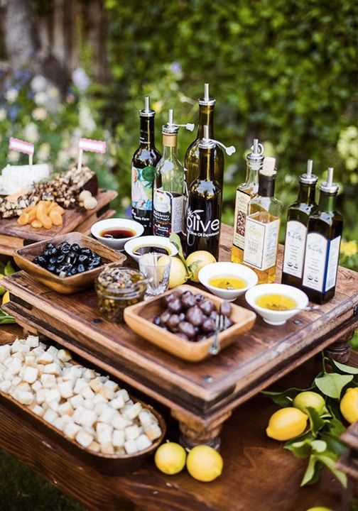 let your guests enjoy various kinds of oil, olives, nuts and dried fruits, serve oil dips and breads
