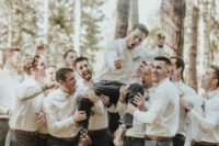 14 a fun groomsmen photo celebrating the wedding ceremony is a gorgeous idea instead of a traditional portrait with your friends
