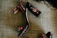 gorgeous black wedding shoes with embroidery