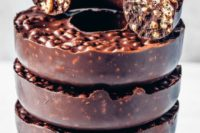 19 dairy-free vegan chocolate crunch donuts with only 3 ingredients are a decadent treat for a wedding