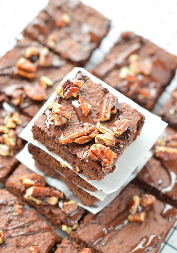vegan black bean brownies with applesauce are healthy fudgy brownies with lo calories and no sugar