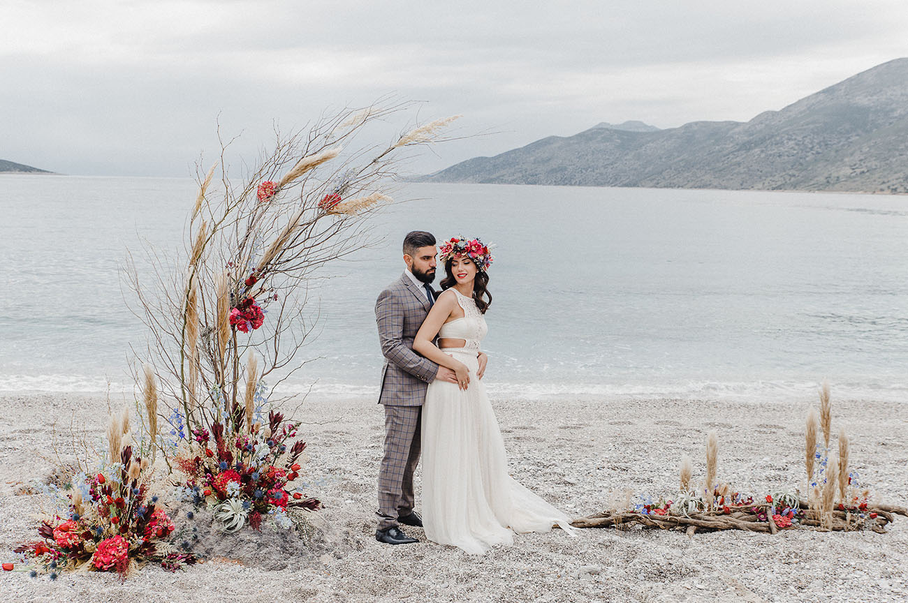 This wedding shoot took place on the beach, in the ruins of an ancient Greek castle