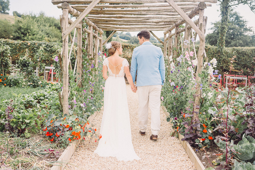 This wedding shoot was a pastel one, it took place in a vegetable garden and was inspired by a book