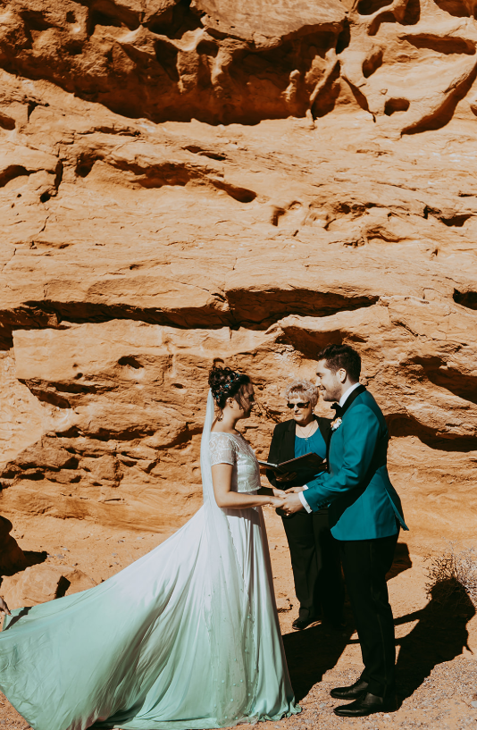 Red rocks became a perfect backdrop for the wedding ceremony
